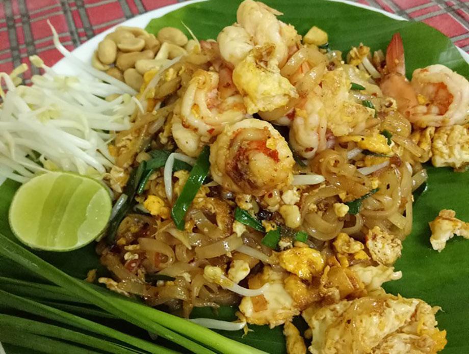 Сколько стоит поесть в тайланде на пхукете