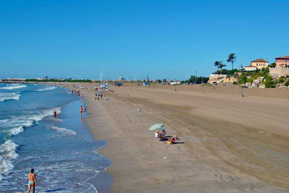 Пляж в Коста-дель-Гарраф