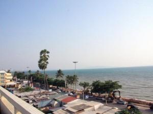 Пляж Хат Чомтхиан
